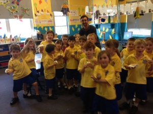 Kindy kids saying goodbye to zami